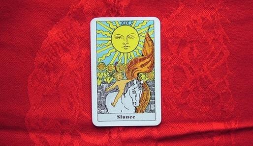 XIX - SLUNCE (Reš = Slunce) - Tarot
