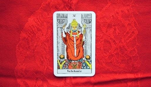 V - HIEROFANT (Vav = Býk, Taurus) - Tarot